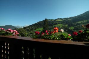 Blick vom Balkon in Richtung Dachstein