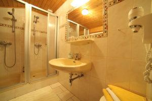 Badezimmer des Apartments Astlehen